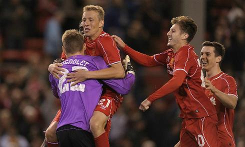Liverpool thắng 14-13 trong loạt luân lưu ở Cup Liên đoàn