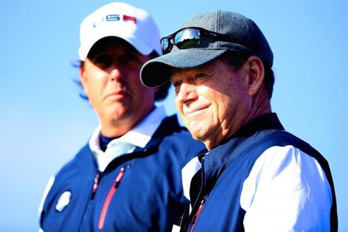 Phil Mickelson coi thường đội trưởng Mỹ sau thất bại ở Ryder Cup