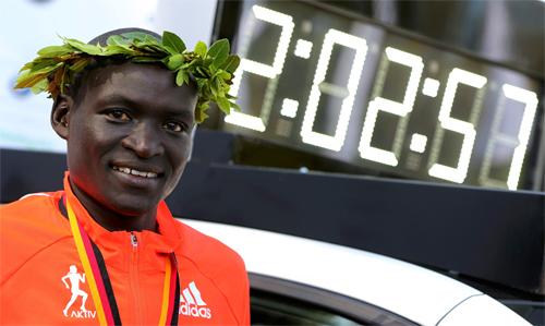 Kỷ lục thế giới mới chạy marathon được lập ở Berlin