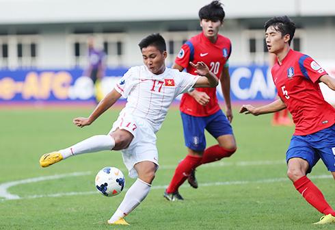 Em họ Văn Quyến thi đấu cho đội U21 Việt Nam