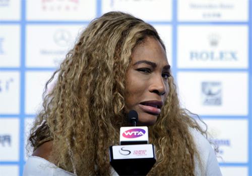 Serena bực tức vì nghi án giới tính