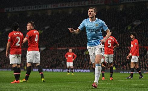 Lawrenson: 'Man City thắng Man Utd, Chelsea vững ngôi đầu'