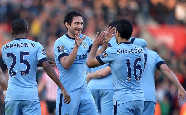 Man City 'bắn tỉa' ngựa ô Southampton, áp sát Chelsea