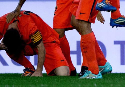Messi dính đòn thù từ CĐV Valencia