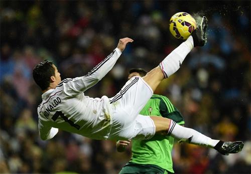 Real 3-0 Celta Vigo: Ronaldo ghi bàn thứ 200 ở Liga