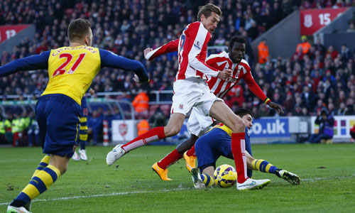 Wenger thừa nhận Arsenal ngây thơ, mềm yếu