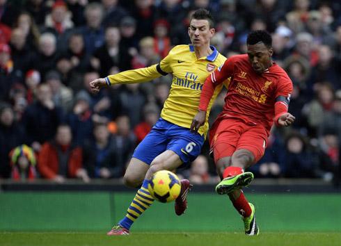 Lawrenson: 'Liverpool hòa Arsenal, Man Utd nối dài mạch thắng'