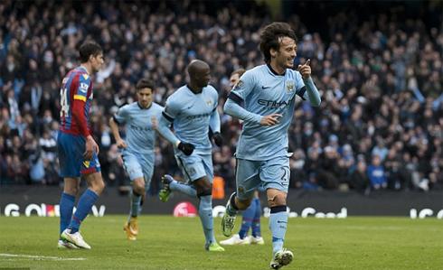 Man City thổi lửa vào gáy Chelsea