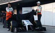 Bốn đội đua đầu tiên công bố lịch ra mắt xe F1 2015