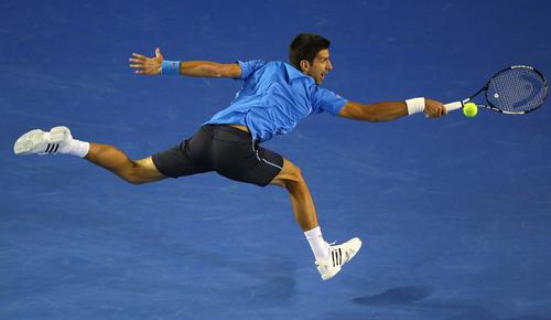 Djokovic thẳng tiến tứ kết, đối đầu Milos Raonic