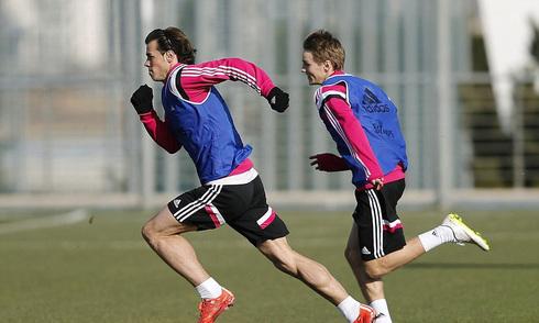Thần đồng Na Uy 'ngửi khói' Gareth Bale trên sân tập