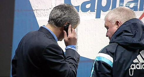 Mourinho gọi điện báo cáo vợ sau khi vô địch