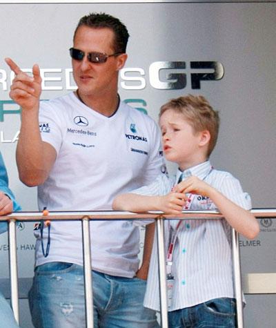 Con trai 15 tuổi của Schumacher ký hợp đồng đua xe công thức 4