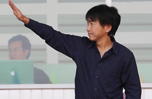 HLV Miura tự tin có thể giúp Olympic Việt Nam giành vé dự vòng chung kết U23 châu Á. Ảnh: Đức Đồng.