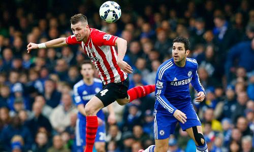 Con trai Mourinho chê CĐV Chelsea là 'nỗi nhục'