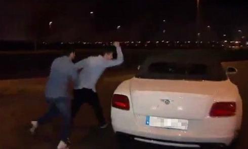 CĐV Real nổi nóng tấn công xe của Bale