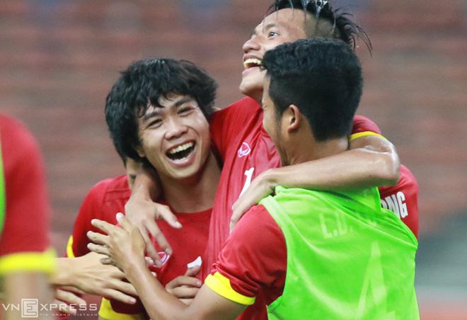 Olympic Việt Nam và nụ cười lại rạng rỡ ở Malaysia