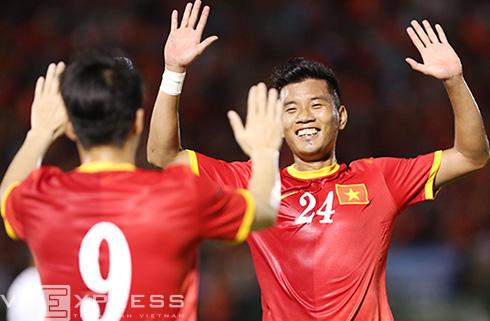 Tuyển Việt Nam lên số một Đông Nam Á. Ảnh: Đức Đồng.