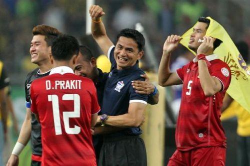 Kiatisuk đưa Thái Lan vô địch AFF Cup 2014. Ảnh: Bangkok Post.