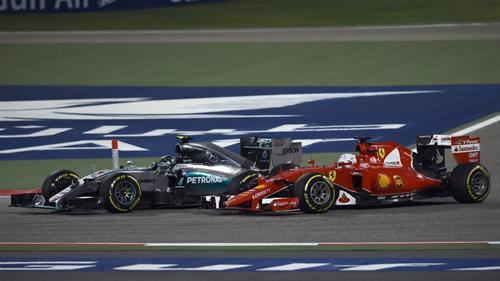 Vettel bị Rosberg vượt qua. Ảnh: Formula 1.