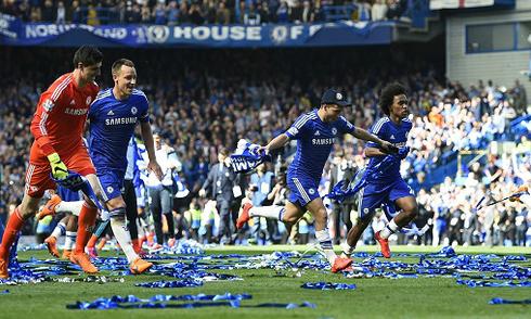 Chelsea vô địch Ngoại hạng Anh sớm ba vòng