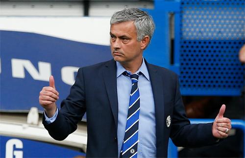 Mourinho có chức vô địch Ngoại hạng Anh đầu tiên kể từ khi bắt đầu nhiệm kỳ thứ hai ở Chelsea. Ảnh: Reuters.