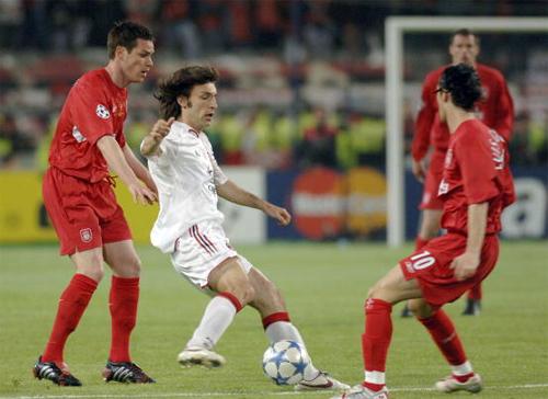 Cựu hậu vệ Liverpool đi buôn đất, 10 năm sau chức vô địch C1 lịch sử