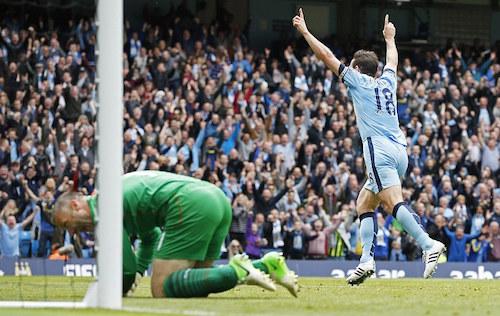 Lampard lập công trong ngày giã biệt giải Ngoại hạng Anh