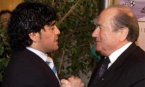 Maradona hả hê khi FBI bắt giữ sáu quan chức FIFA