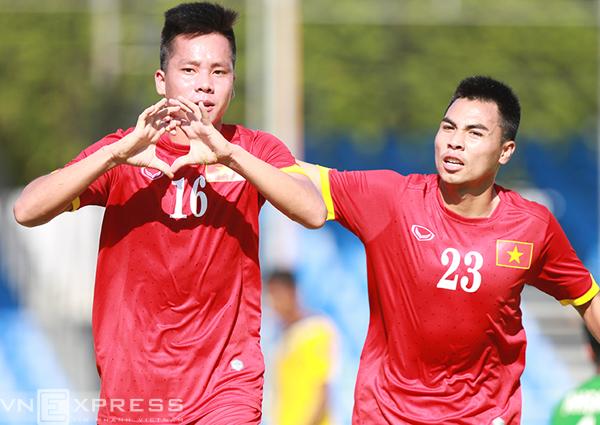 Tiền đạo Thanh Bình (16) là cầu thủ ghi bàn đầu tiên cho U23 Việt Nam tại SEA Games 28. Ảnh: Lâm Thỏa.