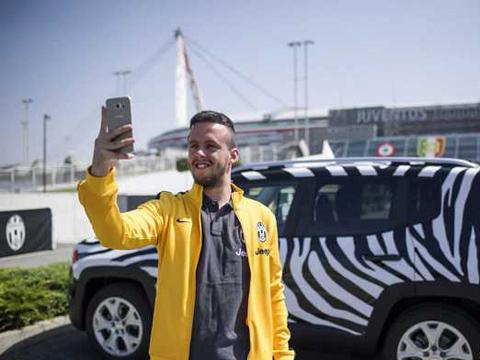 Juventus tặng vé xem chung kết cho CĐV đi bộ hơn 1.100 km