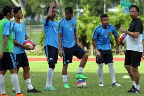 HLV U23 Malaysia dọa 'bắt chết' Công Phượng và Phi Sơn