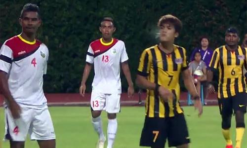 Tuyển thủ U23 Malaysia nhổ bọt bị treo giò sáu trận