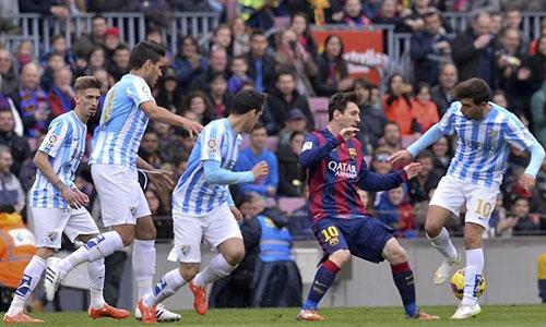Không cần bom đạn, Juve vẫn có cách đánh bại Barca
