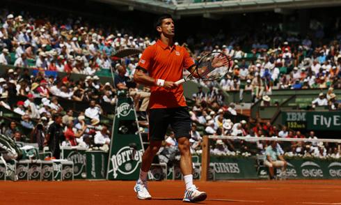 Djokovic vùi dập Murray, vào chung kết Roland Garros