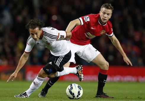Man Utd bán đứt 'truyền nhân của Paul Scholes'