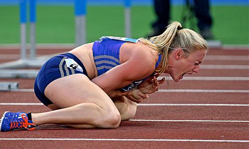 Nhà vô địch Olympic sợ phải cắt cụt tay vì ngã khi chạy vượt rào