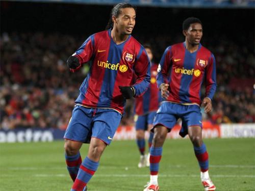 Eto'o chuẩn bị tái hợp Ronaldinho