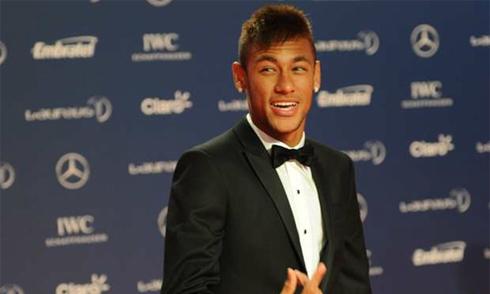 Asprilla: 'Neymar giả dối, nên đến Hollywood trổ tài'