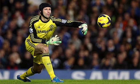 Terry: 'Cech có thể giúp Arsenal kiếm thêm 15 điểm mỗi mùa'