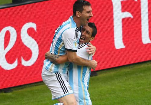 Messi lôi kéo Di Maria về Barca
