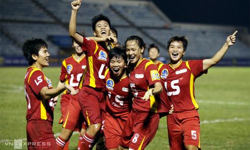 Bóng đá nữ TP HCM trở lại ngôi hậu