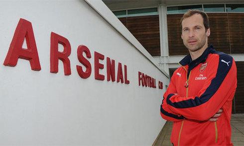 Petr Cech bị dọa giết sau khi gia nhập Arsenal