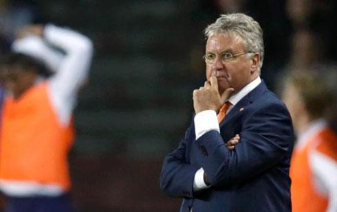 Guus Hiddink từ chức HLV Hà Lan chỉ sau 10 tháng