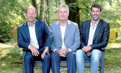 Bố sao Man Utd lên dẫn dắt tuyển Hà Lan
