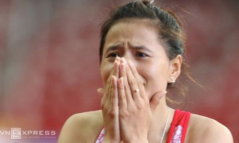 'Cô gái vàng' điền kinh Việt Nam chạy để nuôi mẹ, nuôi chị