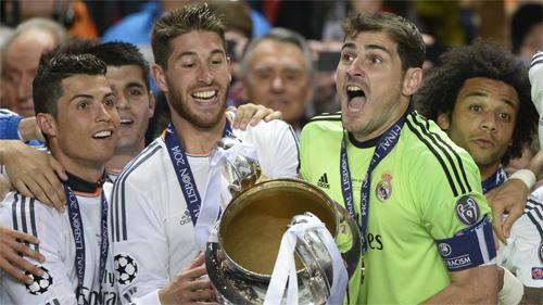 Casillas rơi nước mắt chia tay Real Madrid