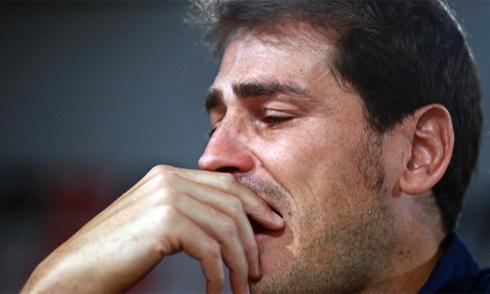 Iker Casillas và đoạn kết bi kịch của một tượng đài