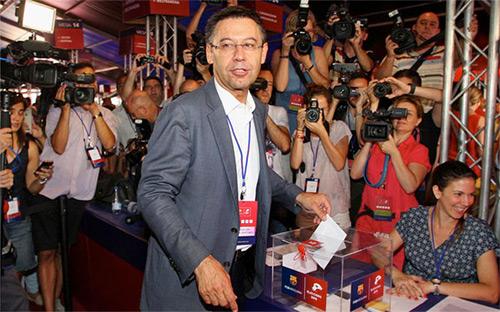 Bartomeu đánh bại Laporta trong cuộc bầu cử Chủ tịch Barca