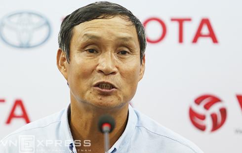 HLV Mai Đức Chung: 'Thua HAGL vì nhiều cầu thủ giữ chân cho trận Man City'